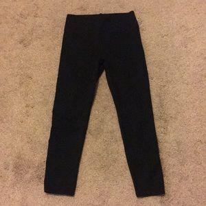 Black 7/8 fabletics powerhold leggings
